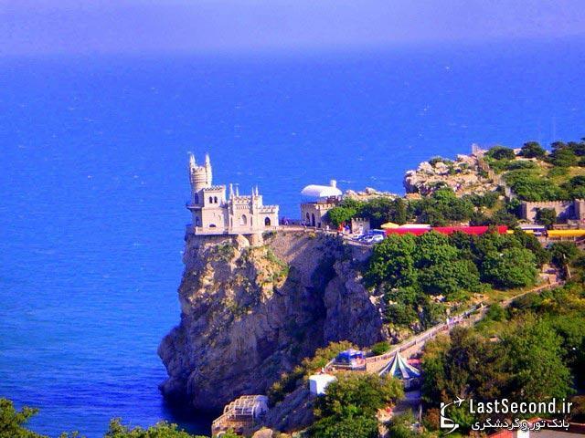 قلعه آشیانه پرستو
